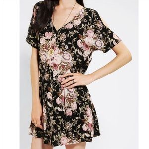Staring at stars cold shoulder small floral dress
